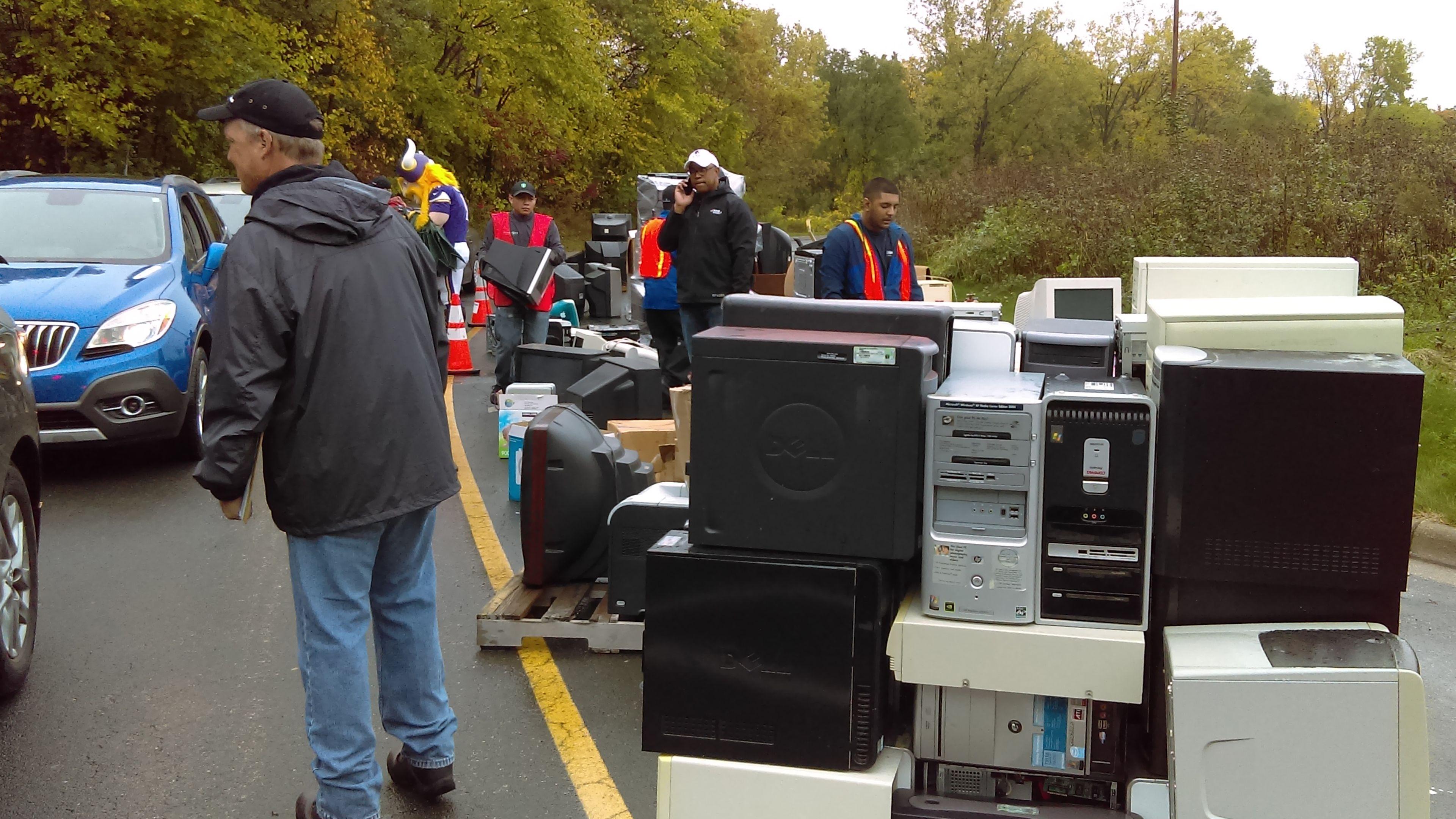 Super Bowl E-Waste Event