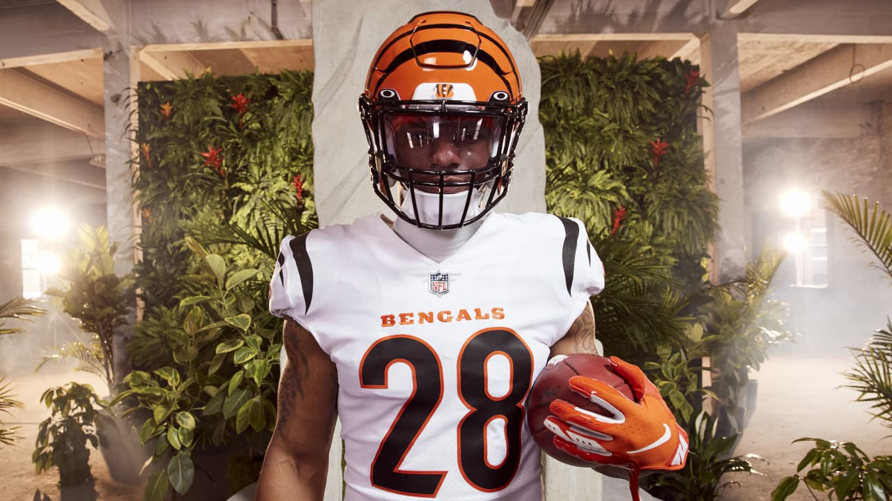 Cincinnati Bengals unveil new uniforms