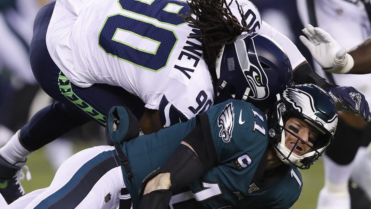 Carson Wentz Suffers Head Injury In 1st Playoff Tilt
