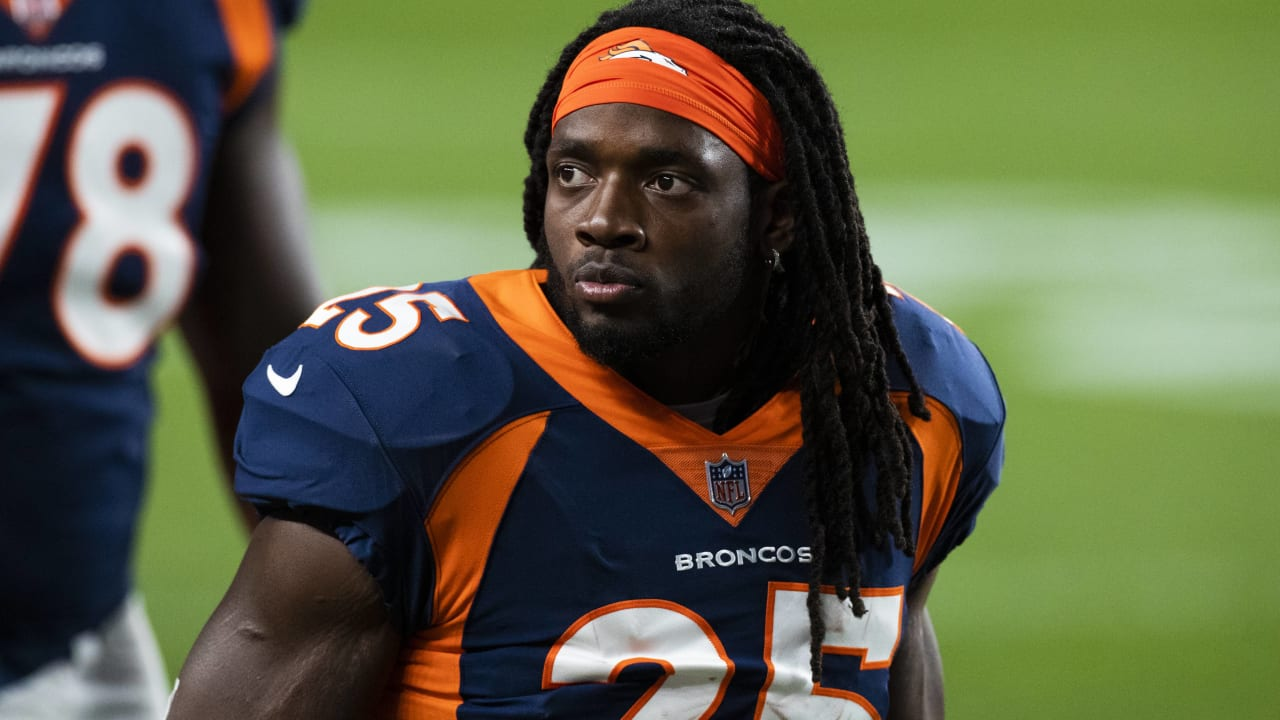 Broncos running back Melvin Gordon didn't make the trip to New England after being diagnosed with strep throat -- the end of a tumultuous week in which Gordon was cited for DUI, making him subject to a potential suspension and jeopardizing the remaining g