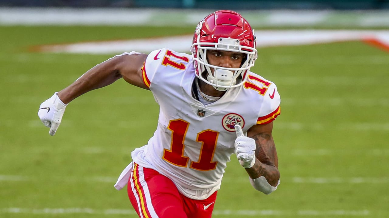 Chiefs WR Demarcus Robinson cleared to practice Friday