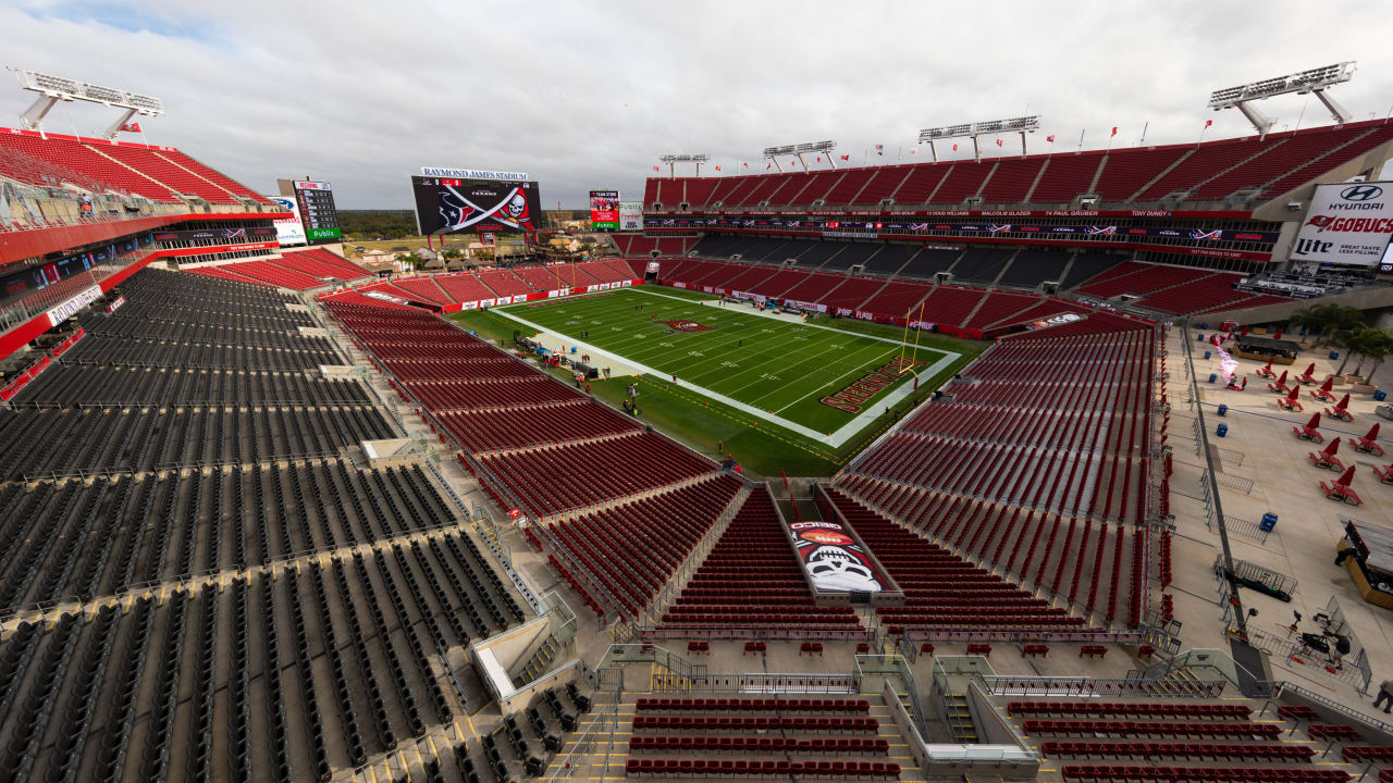Buccaneers announce plans to host fans at Raymond James Stadium in 2020