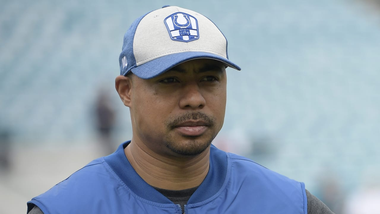Colts promote QBs coach Marcus Brady to offensive coordinator
