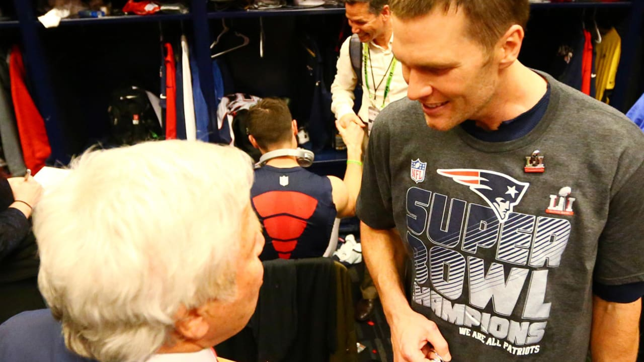 Tom Brady to Kraft: 'Somebody stole my game jersey!'
