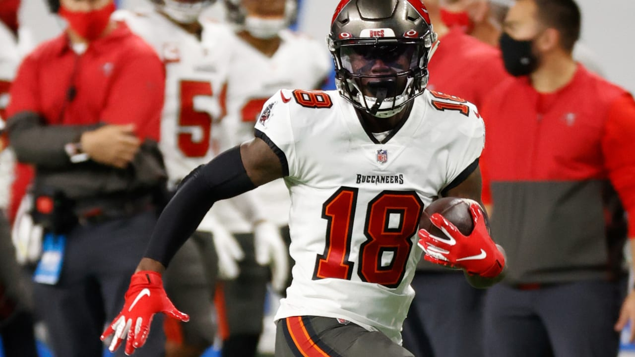 Tampa Bay Buccaneers wide receiver Tyler Johnson ties season-long with  35-yard catch and run