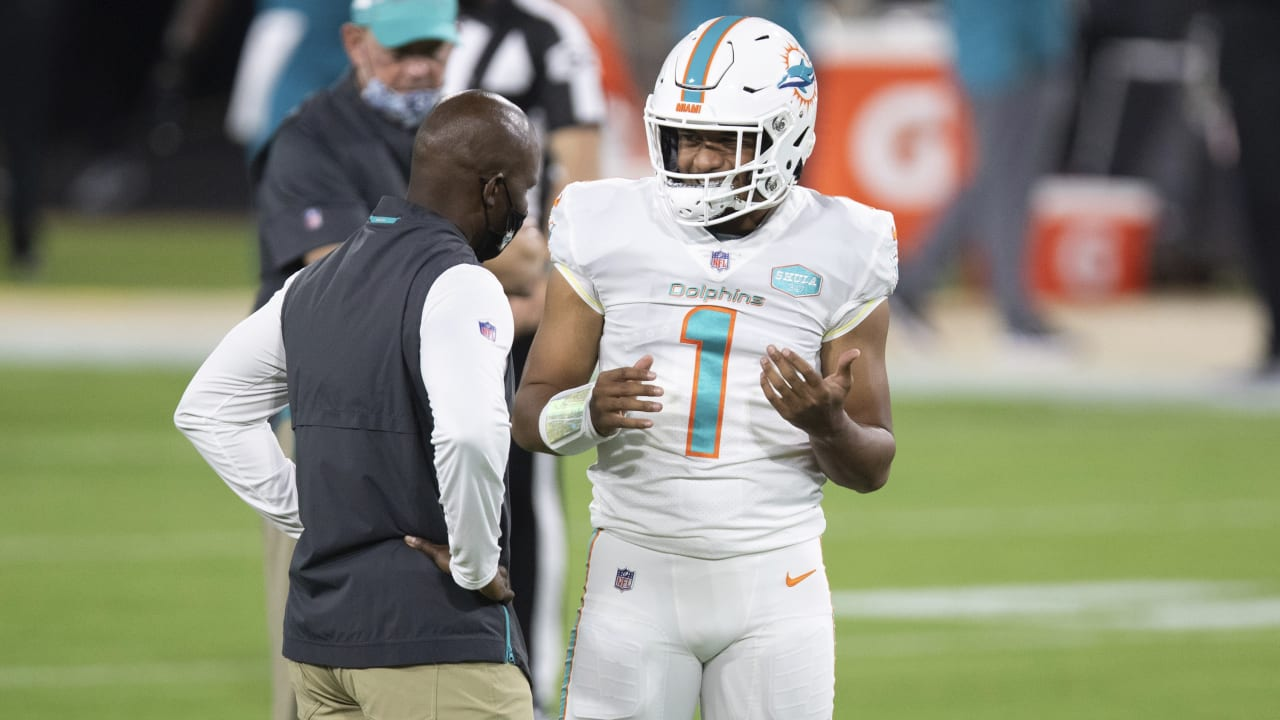 Will we see Brian Flores talking to Deshaun Watson on the Dolphins sidelines?
