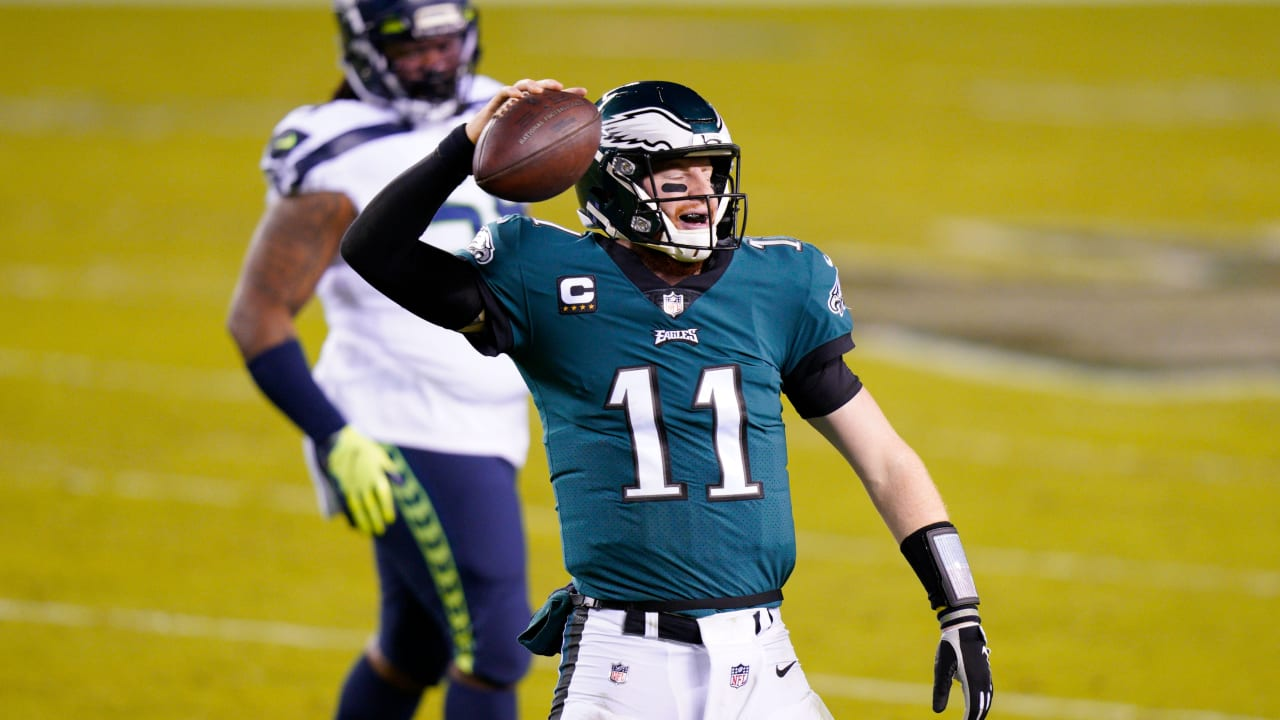 Another off-night shines brighter spotlight on Carson Wentz, Eagles offense - NFL.com