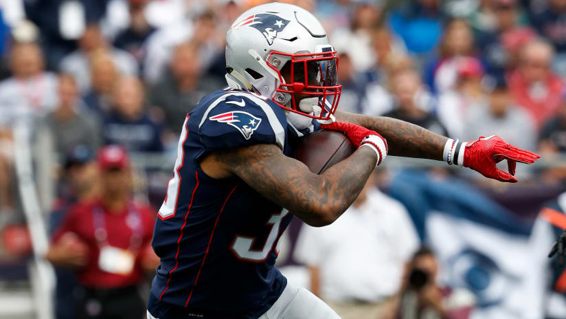Raiders release running back Jeremy Hill two days after signing
