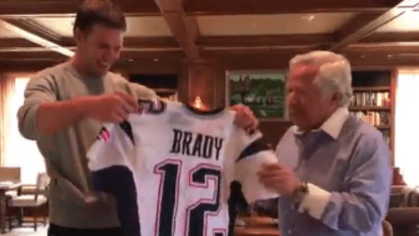 Tom Brady, Super Bowl jerseys are together once more