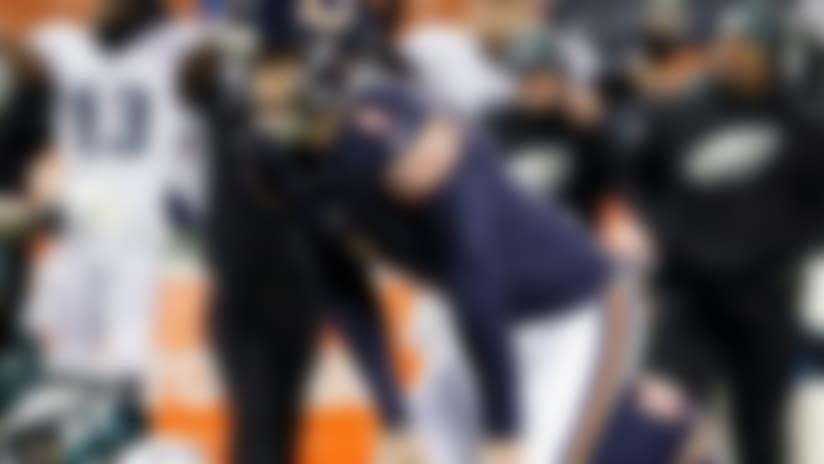 El Cody Parkey (1), de los Bears de Chicago, se lamenta tras fallar un gol de campo en los segundos finales del partido ante los Eagles de Filadelfia, el domingo 6 de enero de 2019 en Chicago. (AP Foto/Nam Y. Huh)