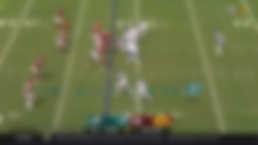 Wentz finds DeSean Jackson on deep out for 27 yards
