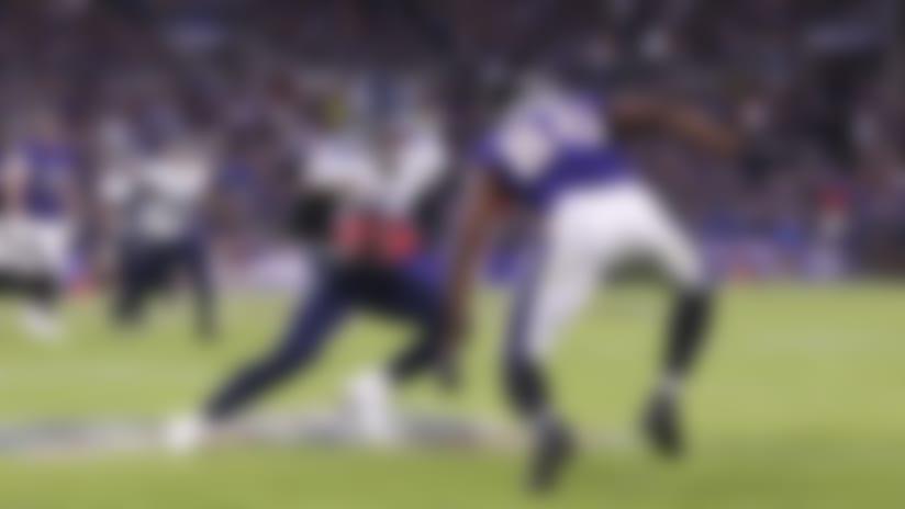 Kenny Vaccaro undercuts Lamar Jackson's throw for INT