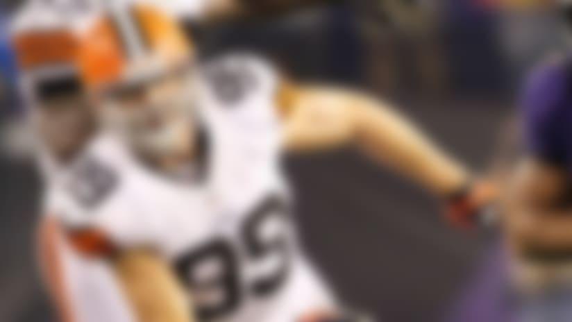 Scott Fujita ponders retirement from NFL after neck injury