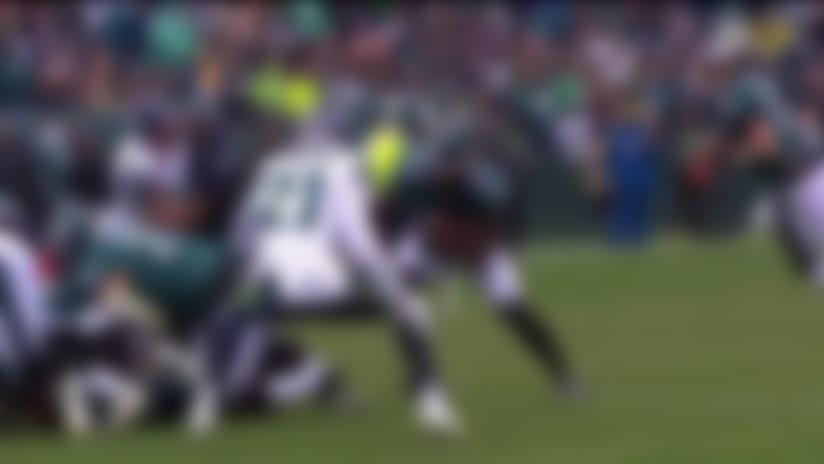 Jay Ajayi's first carry with Eagles in '19 goes for a first down