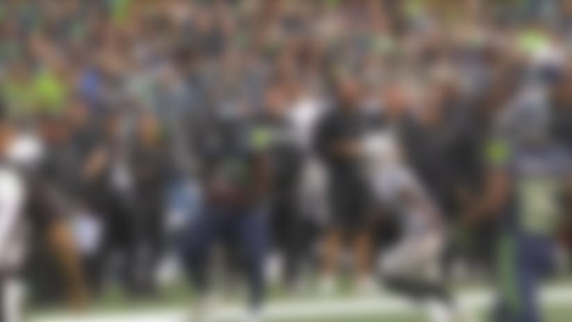 Austin Davis shows off impressive back-shoulder pass
