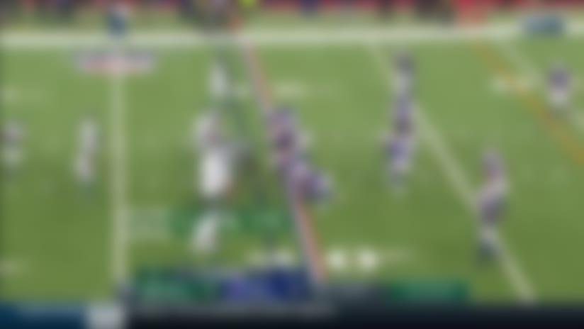 Vyncint Smith runs down the sideline for 20-yard gain