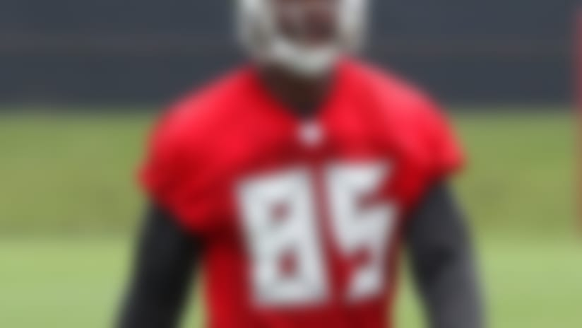 Buccaneers trade TE Tim Wright to Lions