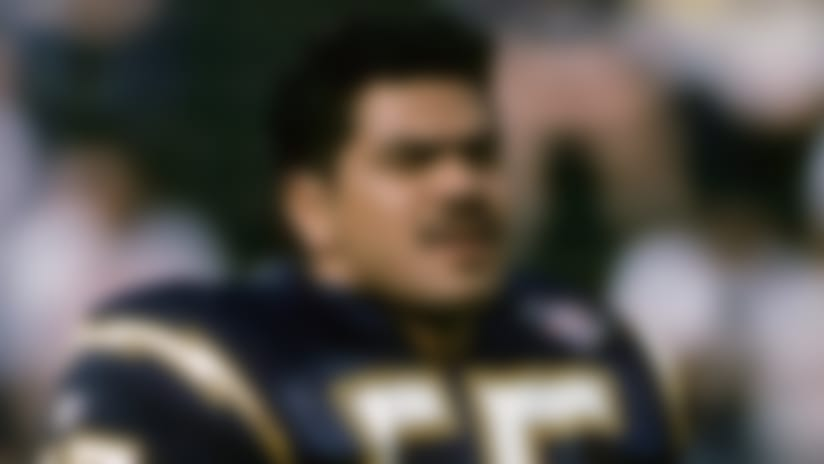 Junior Seau's autopsy shows no illegal drugs, alcohol