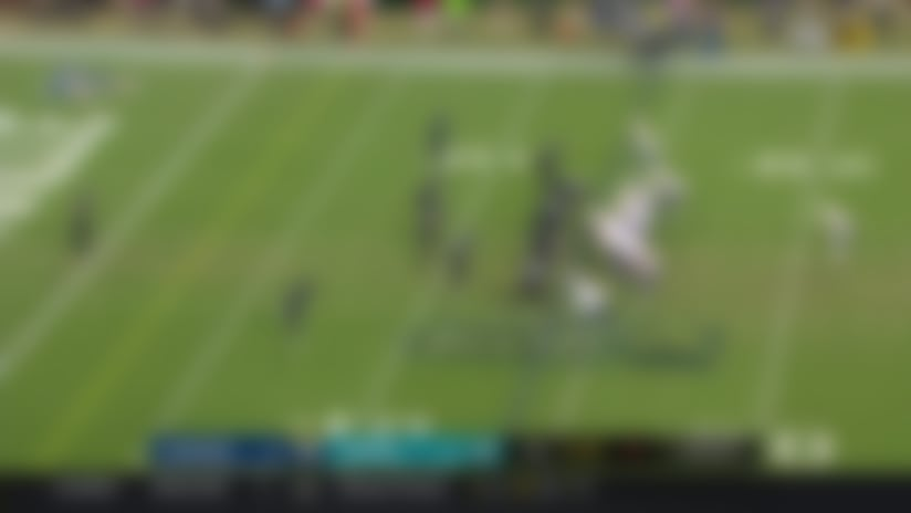 Tyrod Taylor lobs first his TD pass of '19 to Virgil Green