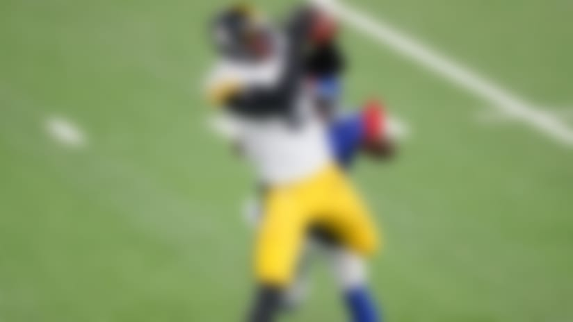 Eric Ebron runs by Jabrill Peppers for 18 yards on his first catch with Steelers