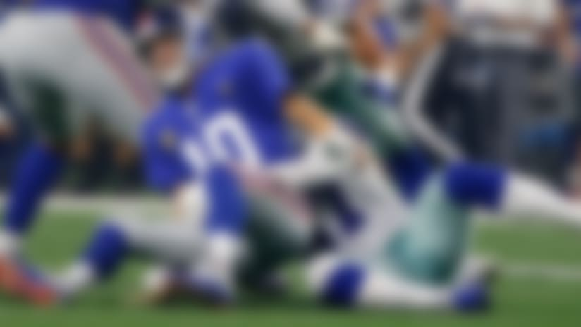 Damien Wilson knocks ball out of Eli Manning's hands, Cowboys recover