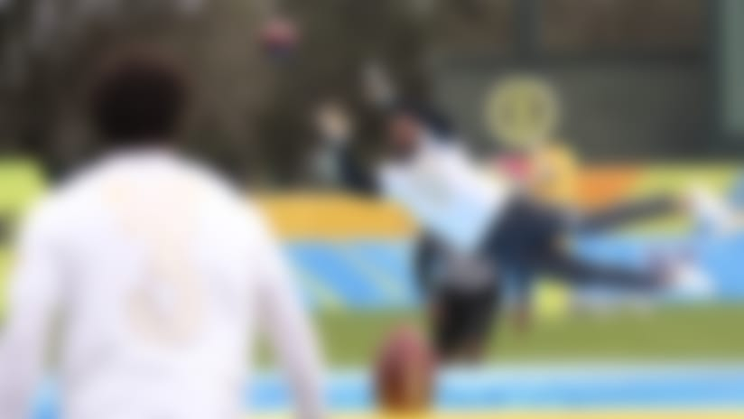 Davante Adams shows off his hands | 2020 Pro Bowl Skills Showdown