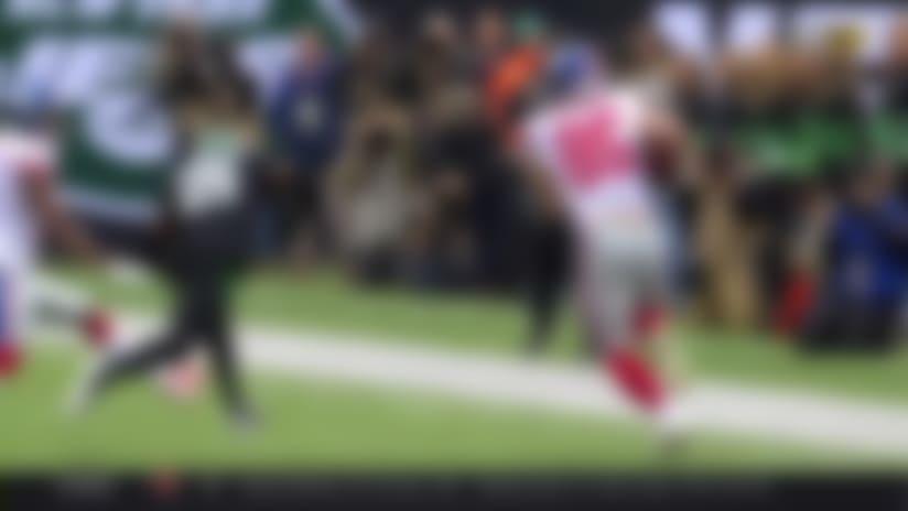Ellison turns Jones' short throw into 31-yard sideline sprint