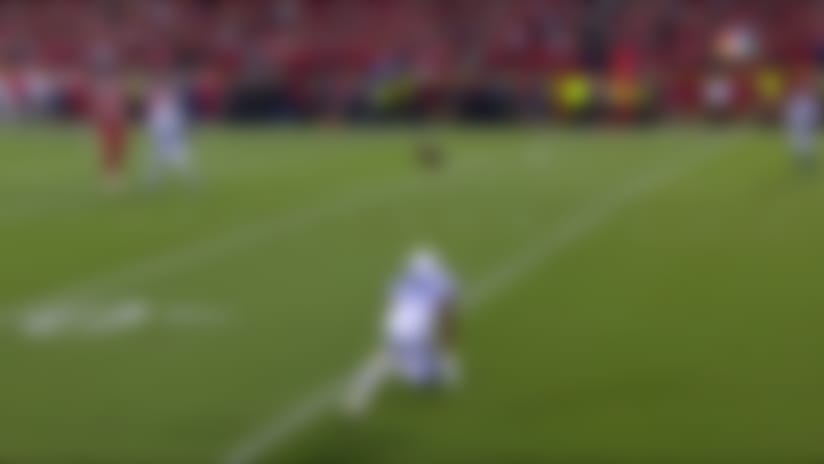 Can't-Miss Play: Patrick Mahomes scrambles for DAYS before firing TD