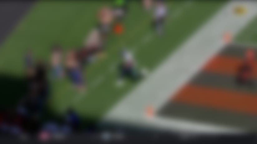 Wilson burns Browns' blitz with TD DIME to Brown under heavy pressure