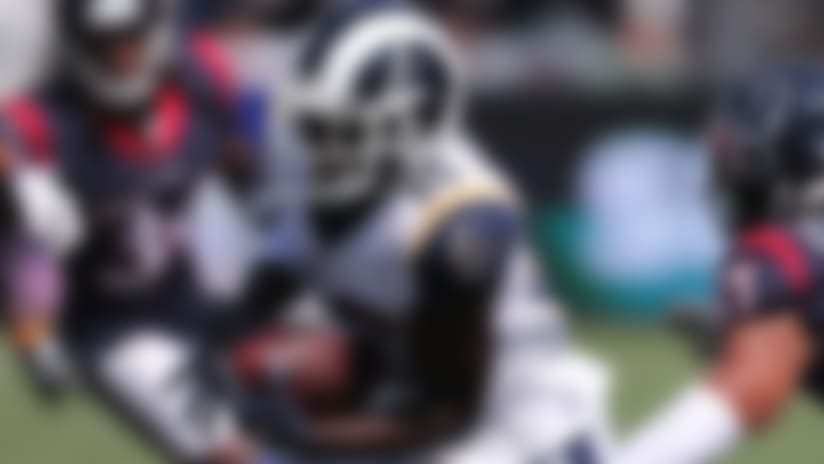 Steven Mitchell jukes Andre Chachere on 22-yard catch