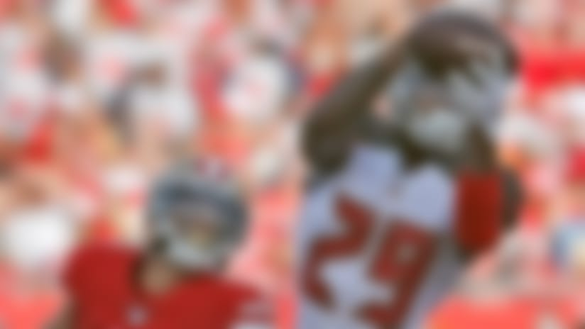 Ryan Smith reaches high for end-zone INT to deny 49ers points