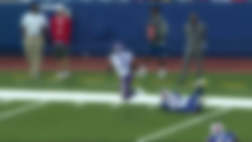 Ameer Abdullah takes dump pass 15-yards for TD