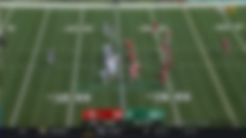 Frank Gore darts through 49ers D for 13-yard gain
