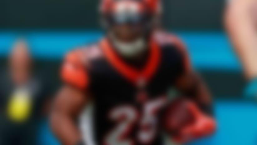 Cincinnati Bengals' Giovani Bernard (25) runs against the Carolina Panthers during the first half of an NFL football game in Charlotte, N.C., Sunday, Sept. 23, 2018. (AP Photo/Jason E. Miczek)