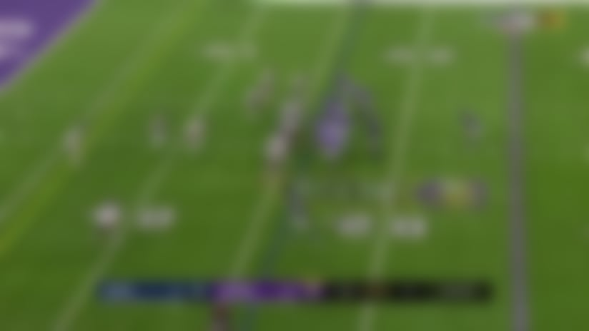 Bears fall on Vikings' mishandled toss for early red-zone turnover