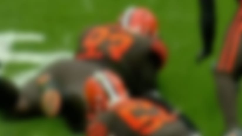 Trevon Coley dives on fumble to recover for Browns