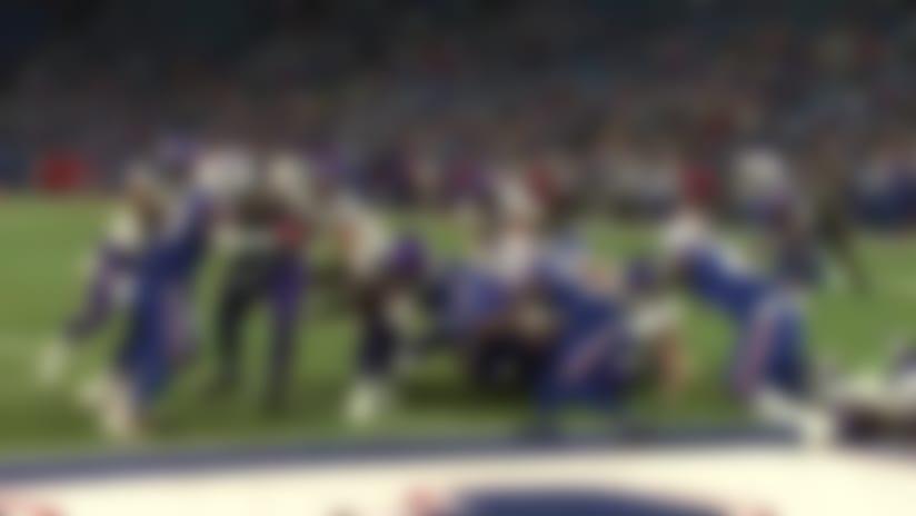DeAngelo Henderson barrels through defenders for goal-line TD