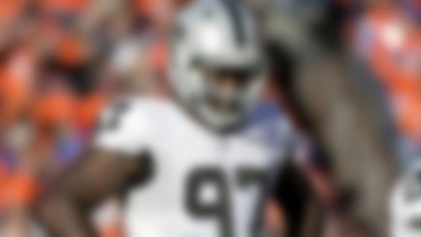 Injuries: Raiders' Edwards Jr. leaves with hip injury