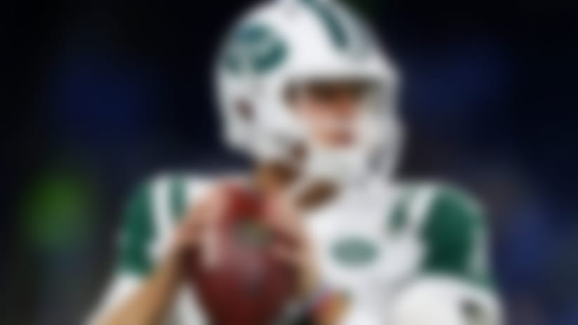 New York Jets quarterback Sam Darnold (14) warms up before an NFL football game against the Detroit Lions in Detroit, Monday, Sept. 10, 2018. (AP Photo/Paul Sancya)