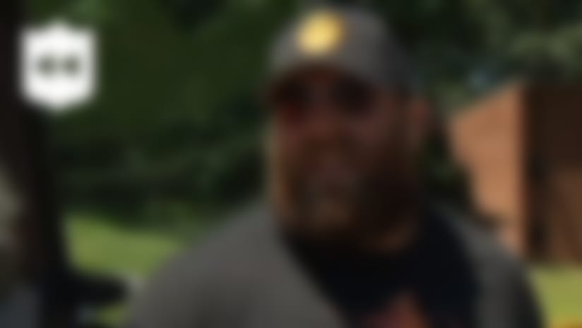 NFL Throwback: Brett Keisel shows up to Pittsburgh Steelers training camp in a tractor