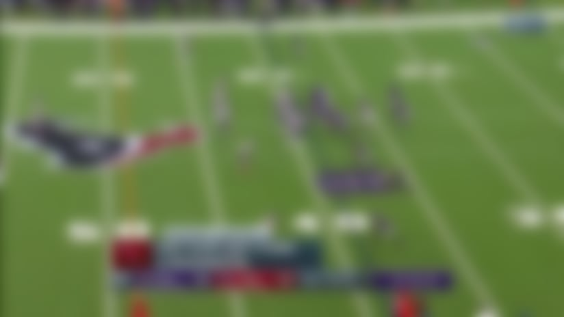 Willie Snead keeps feat churning on physical 22-yard catch and run