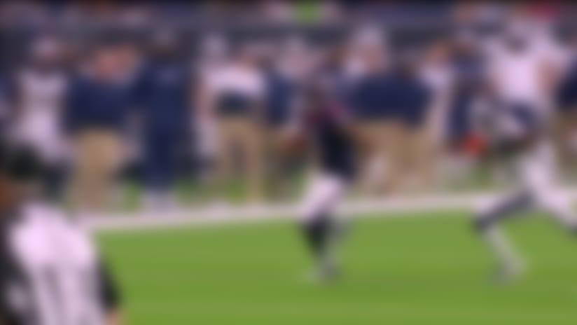 Joe Webb turns upfield for 32-yard scramble