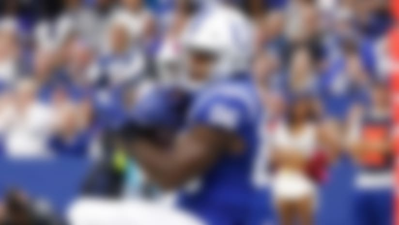 Erik Swoope dashes across middle for TD grab