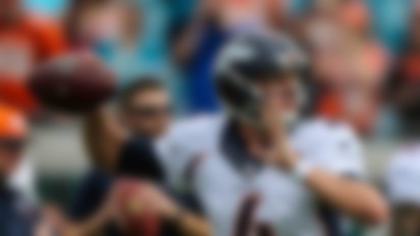 Seahawks pass on Colin Kaepernick, sign Austin Davis