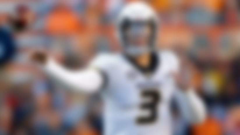 Missouri quarterback Drew Lock (3) throws to a receiver in the first half of an NCAA college football game against Tennessee Saturday, Nov. 17, 2018, in Knoxville, Tenn. (AP Photo/Wade Payne)