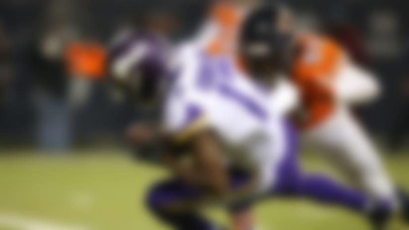 Aldrick Robinson takes slant for speedy TD catch