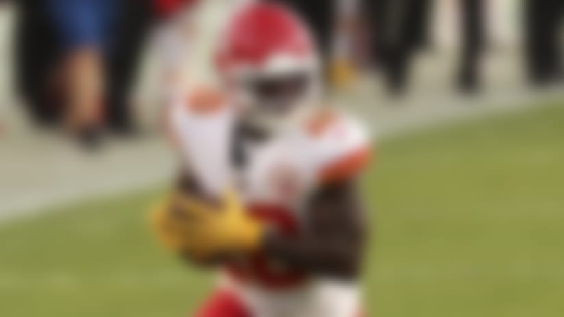Kansas City Chiefs wide receiver Tyreek Hill (10) runs the ball during an NFL football game against the Tampa Bay Buccaneers on Sunday, November 29, 2020 in Tampa, Florida. (Perry Knotts/NFL)