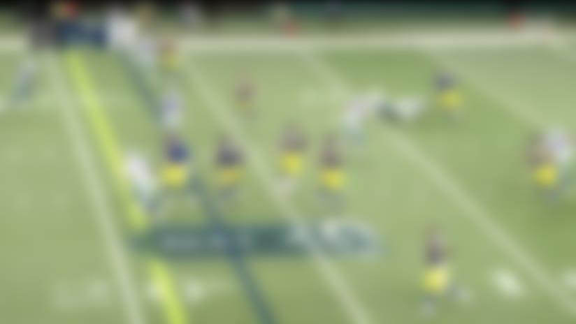Wolford leaves defender tackling air with juke