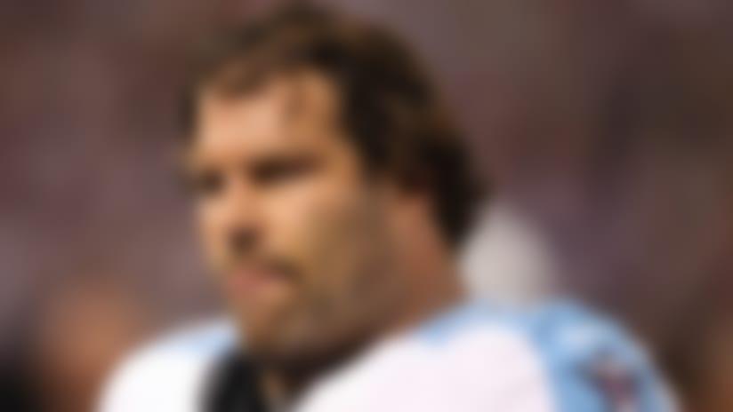 Tennessee Titans place veteran Steve Hutchinson on IR