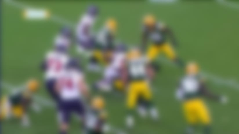 Raven Greene rips out ball from Taiwan Jones, Packers recover